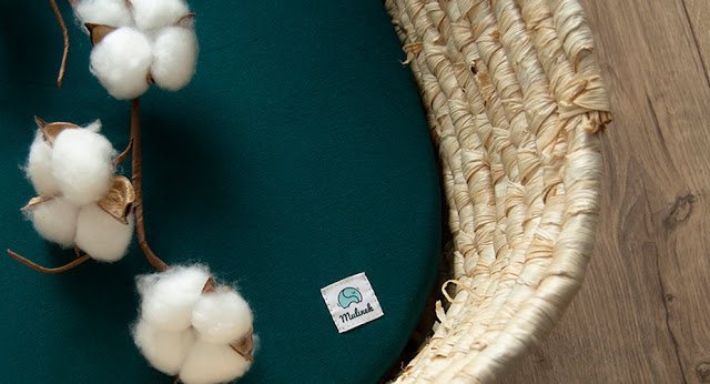 prześcieradło z eko bawełny marki mulinek i kosz mojżesza