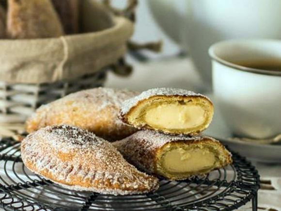 Empanadas Rellenas De Crema