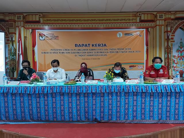 KPU Kapuas Gelar Raker Persiapan Sengketa Pelanggaran Administrasi Dan Tindak Pidana Serta Sengketa Pilgub 2020