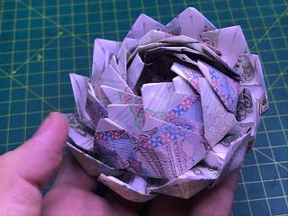 hướng dẫn cách gấp hoa bằng tiền giấy