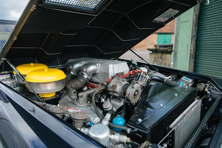 Lamborghini LM002 'hàng hiếm' phục chế độc nhất thế giới
