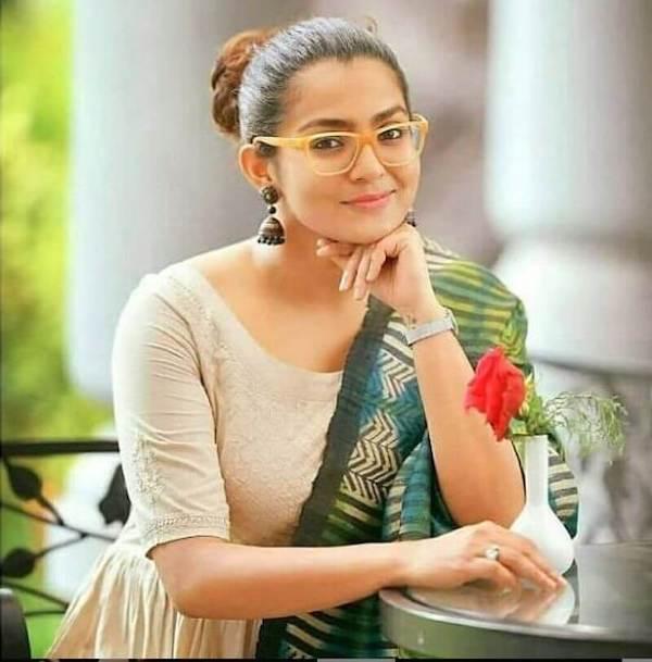 பார்வதி திருவோத்து (பிறப்பு: ஏப்ரல் 7, 1988) என்றும் பார்வதி என்றும் அறியப்படும் இந்திய நடிகை