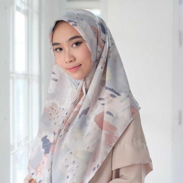 Hijab Motif Gray