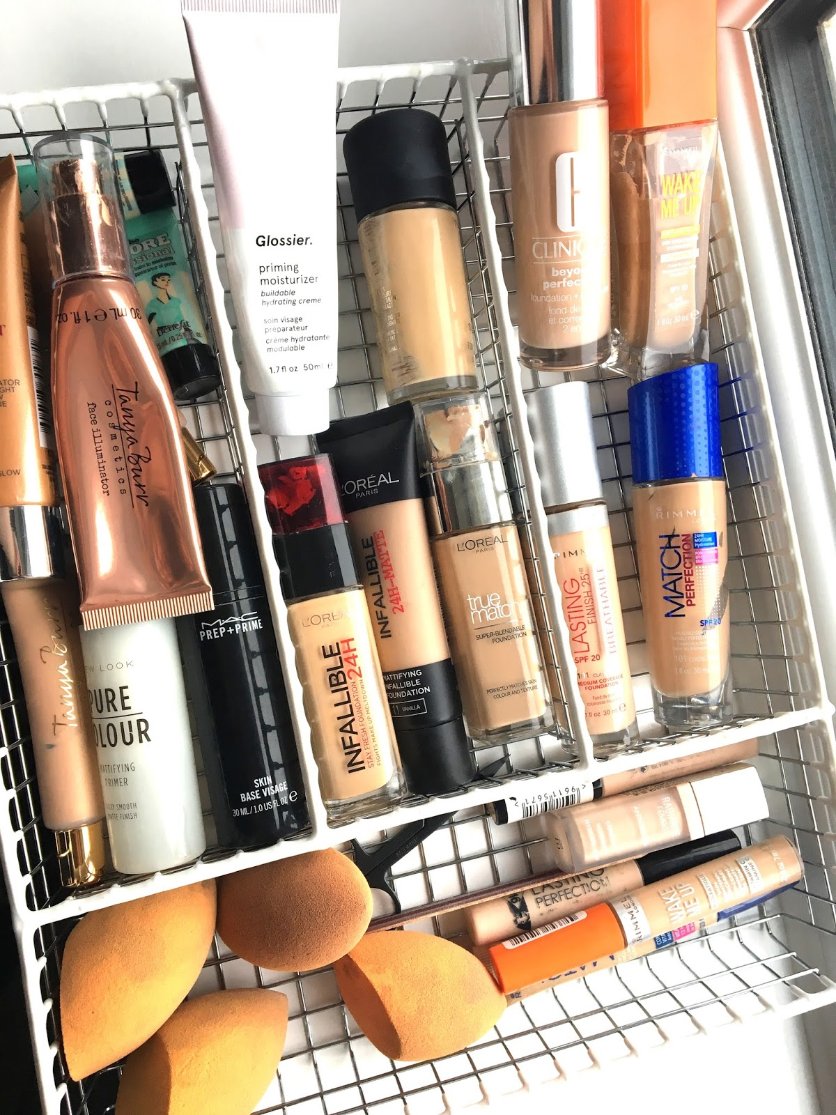 5 Questions I Ask myself When De-cluttering Makeup