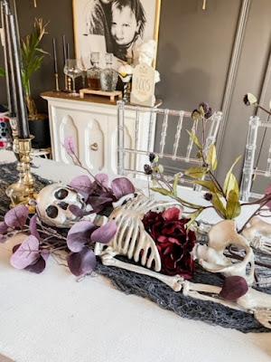 Halloween table decor