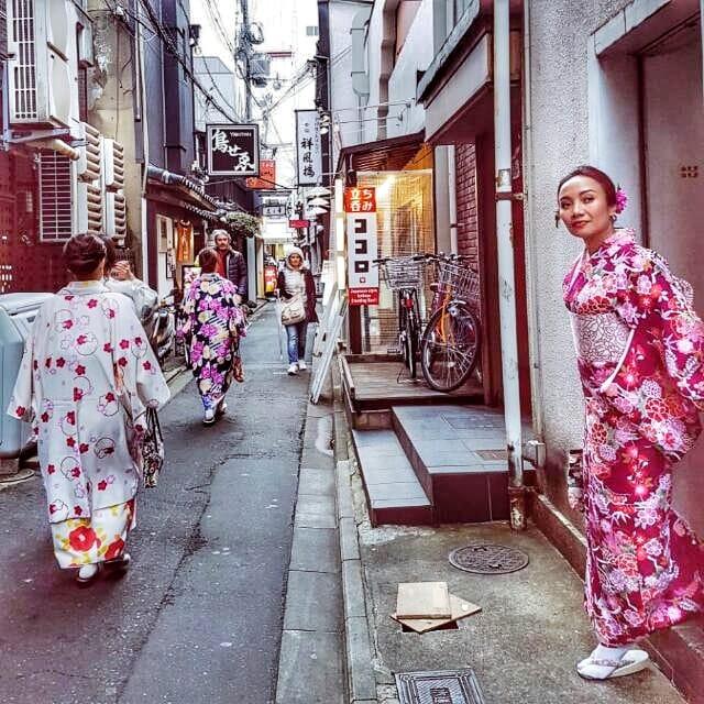 Memakai kimono di Kyoto, Jepang