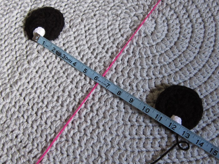 crochet, elephant rug, eyes