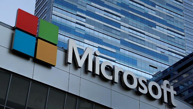 """Microsoft despide a docenas de empleados y los reemplaza con """"robots"""""""