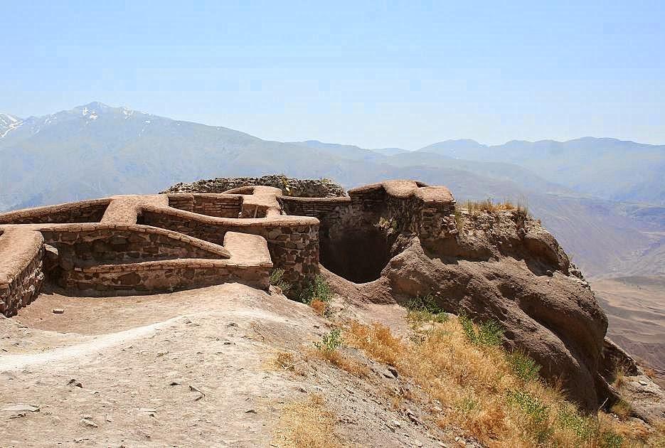 Ruínas de Alamut, fortaleza do Velho da Montanha, Irã