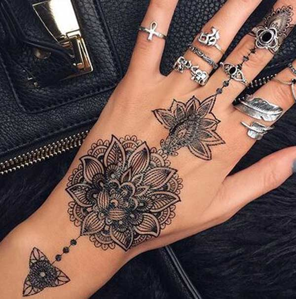 Tattoos design ideas 30 best and beautiful henna tattoo for Female hand tattoos