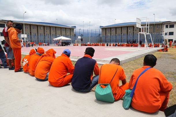 horario visitas carcel de Latacunga