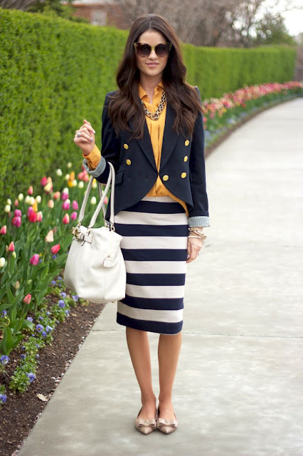 Bet on navy style to be very glamorous in this summer!!
