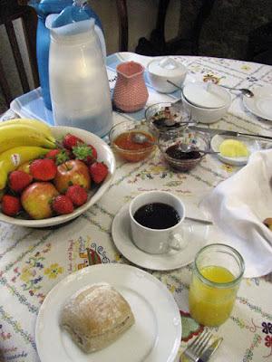 mesa de pequeno-almoço da Casa MIndela