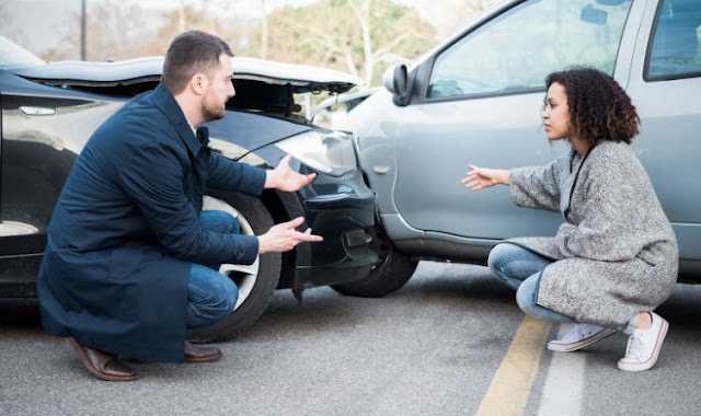 reasons to hire car accident attorney auto crash lawyer