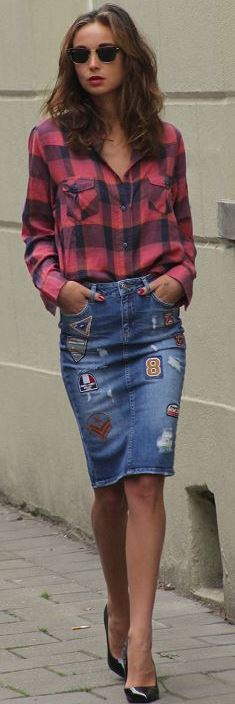 trendy fall outfit / plaid shirt + denim pencil skirt + heels