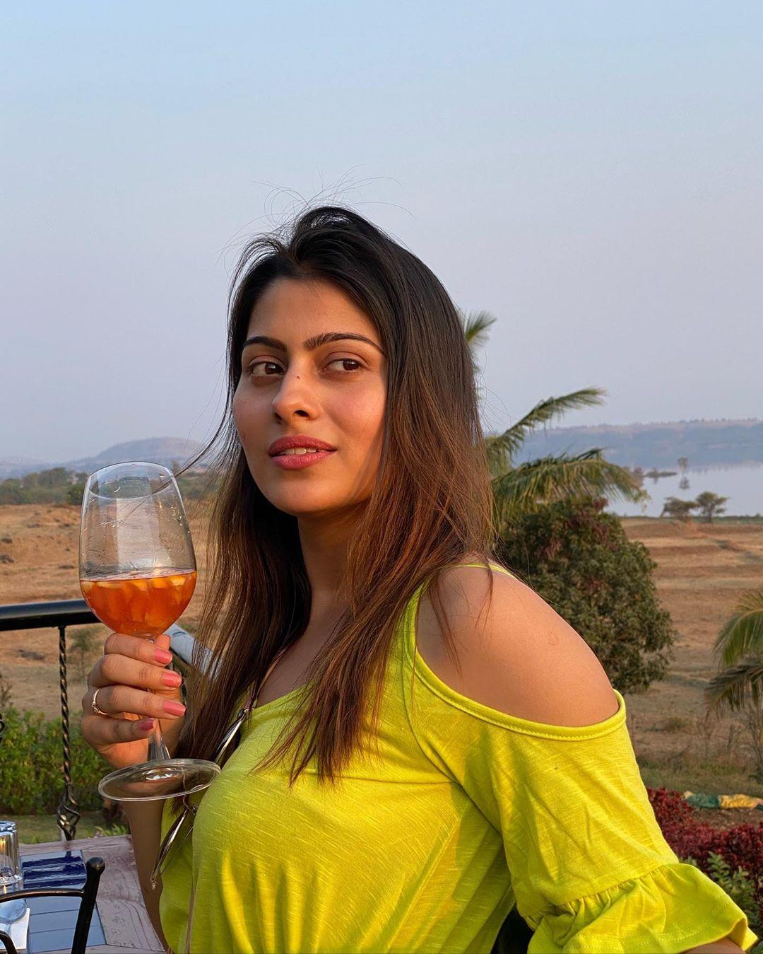 aparna-dixit-life-biography-in-hindi