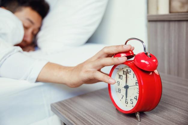 Dampak Buruk Tidur Setelah Subuh dan Setelah Asar Menurut Islam dan Medis