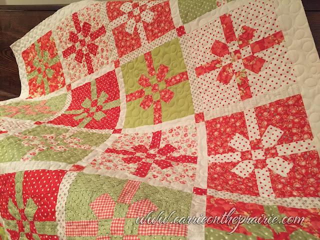 http://carrieontheprairie.blogspot.ca/2016/12/a-christmas-gift-quilt.html