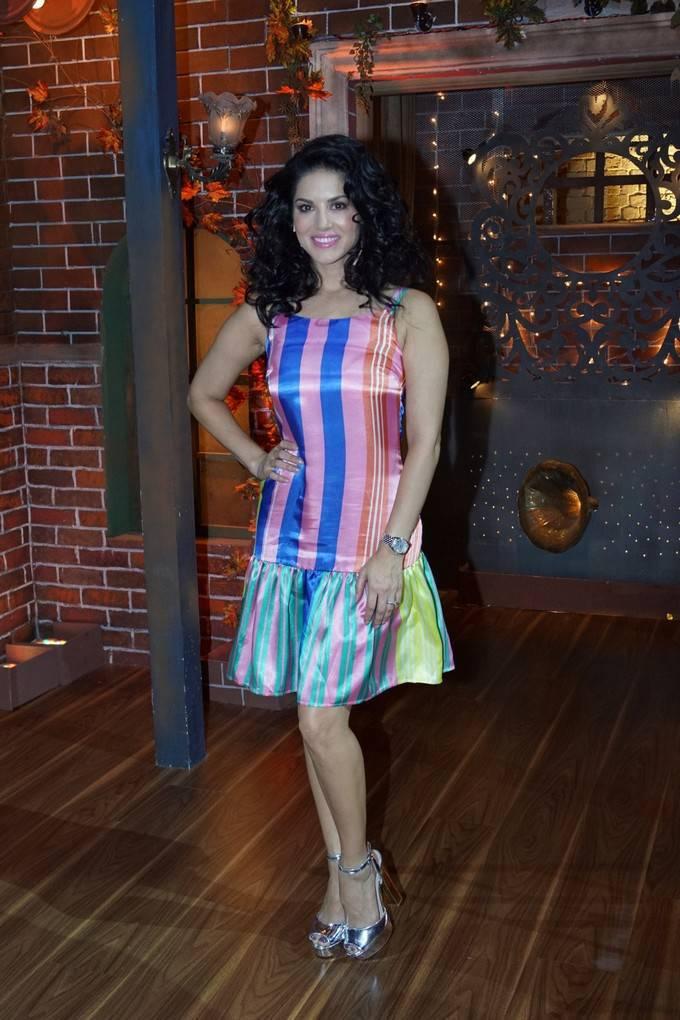 Sunny Leone At The Drama Company Tv Show Stills