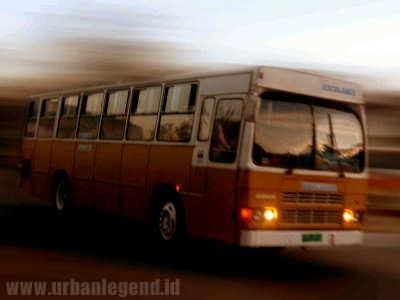Supir Bus Pasien Rumah Sakit Jiwa