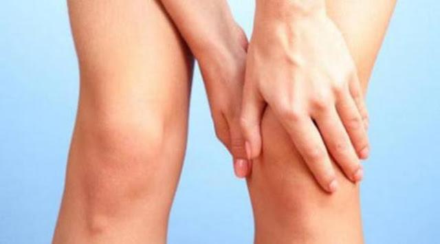 menghilangkan benjolan di belakang lutut