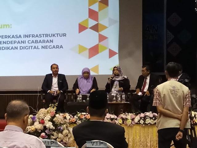 Ahli Panel Forum Untuk Simposium Memperkasakan Infrastruktur ICT Bagi Zon Utara
