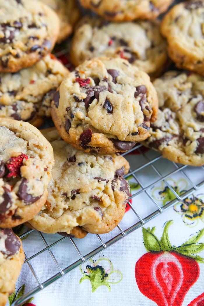 strawberry cocoa nib chocolate chip cookies