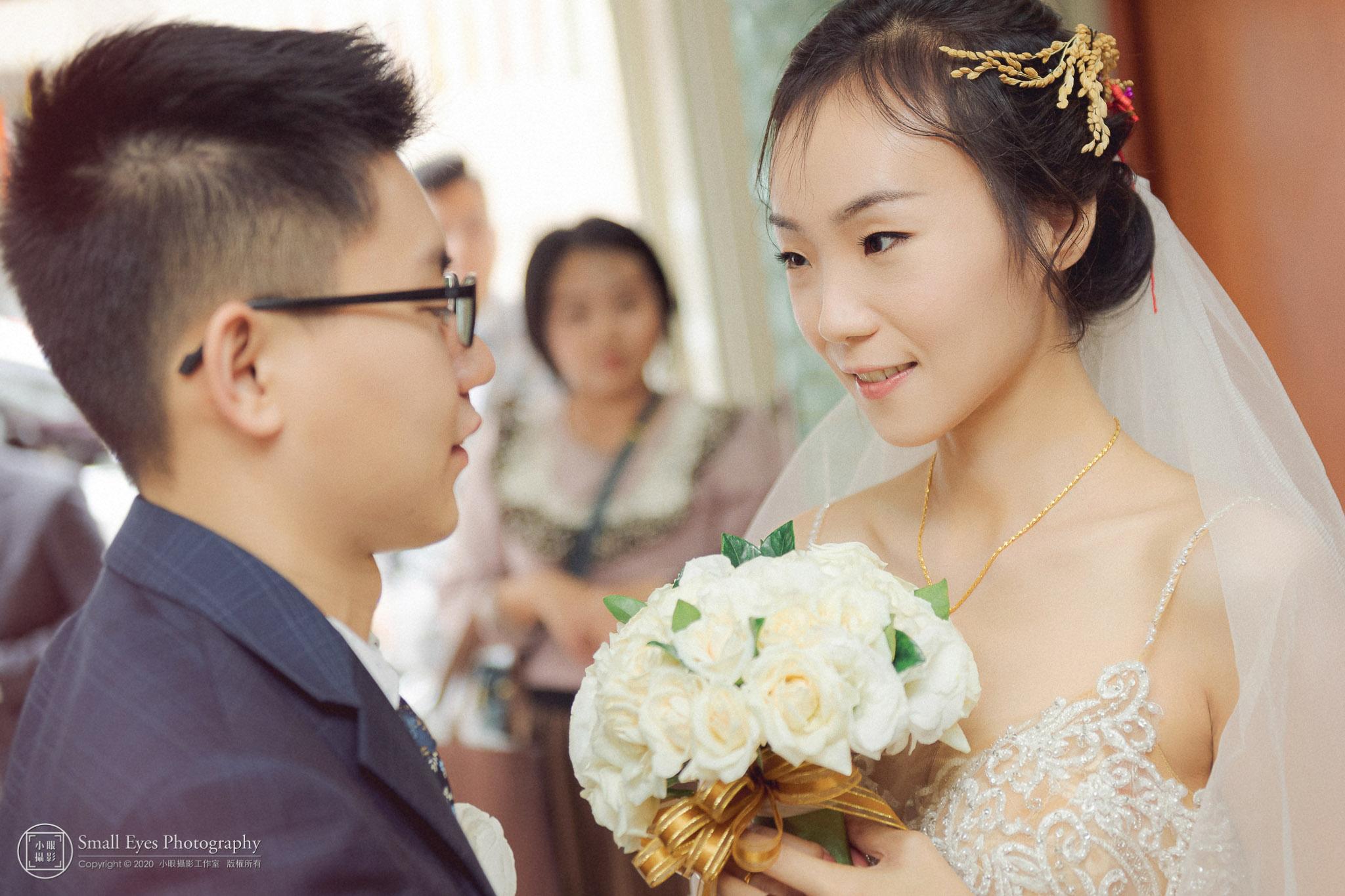 小眼攝影,裸背,小眼,婚攝,訂婚,傅祐承,台北,婚禮攝影,婚禮紀實,婚禮紀錄,推薦,白紗,文訂,頭紗,迎娶,婚禮,