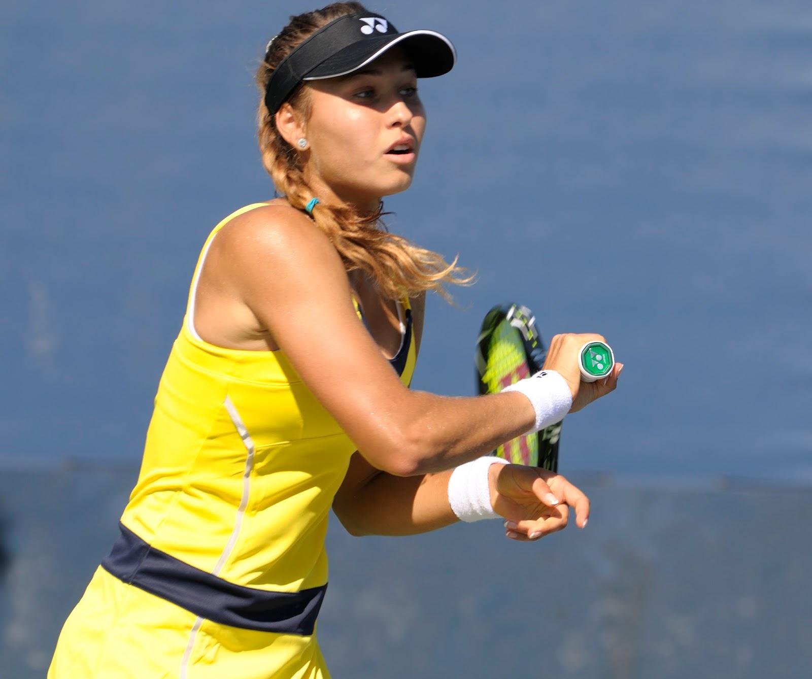 Agnieszka radwanska hot as hell at practice - 2 4