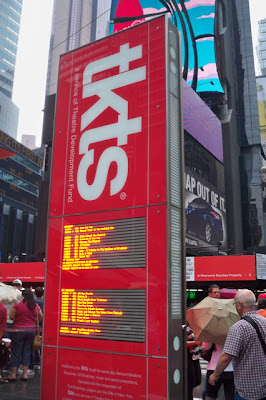 The Hopeful Traveler Times Square Tkts Booth At Duffy