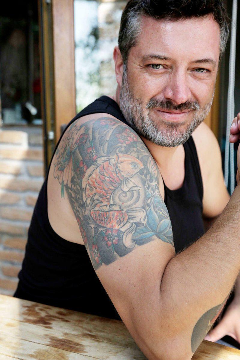 Sebastián Sichel muestra sus tres tatuajes y cuenta la historia detrás de cada uno