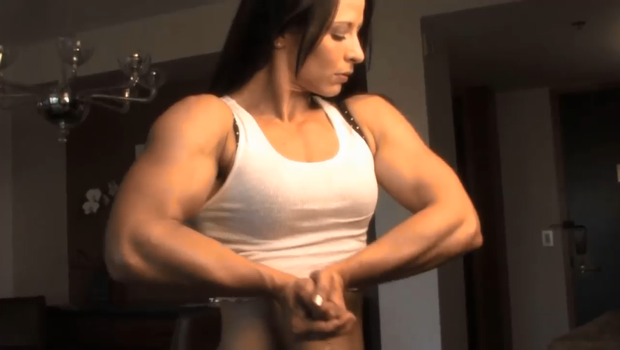 Clip Biggest Female bodybuilding Strong, nervous and crazy