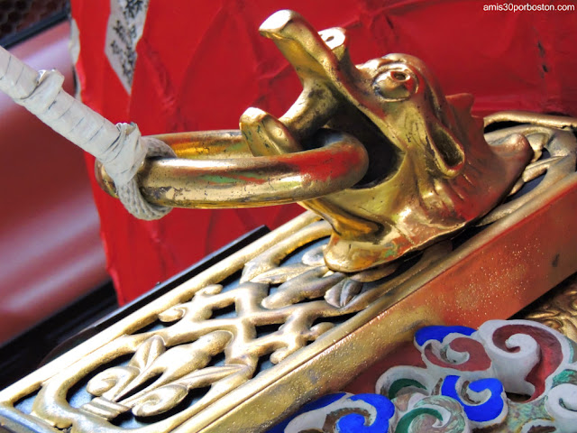 Detalles de Dragones en la Puerta Kaminarimon