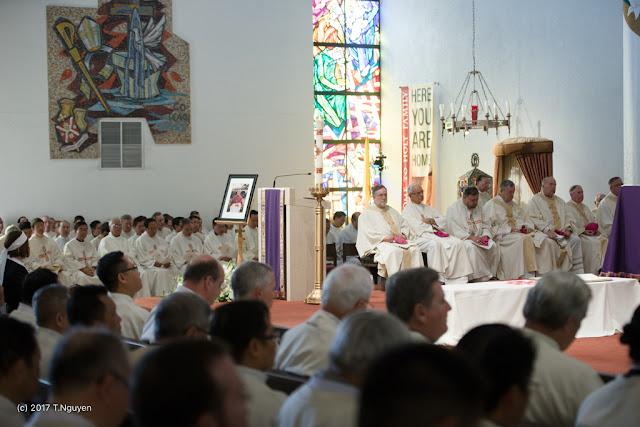 Hình ảnh thánh lễ an táng Đức Cha Dominicô Mai Thanh Lương - Ảnh minh hoạ 23