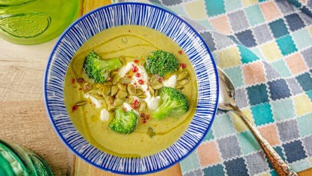 Такий рецепт супу з брокколі сподобається навіть тим, хто терпіти не може овочі