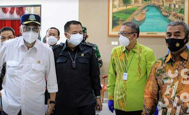 Gubernur Dan Wagub Sambut Kedatangan Menhub Di Kalbar