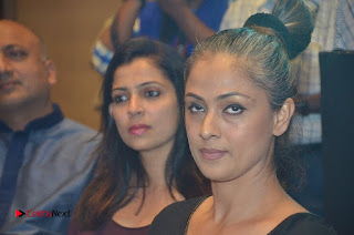 Simran and Vishal at the Launch of The Pride of Tamil Nadu Event Stills  0035.jpg