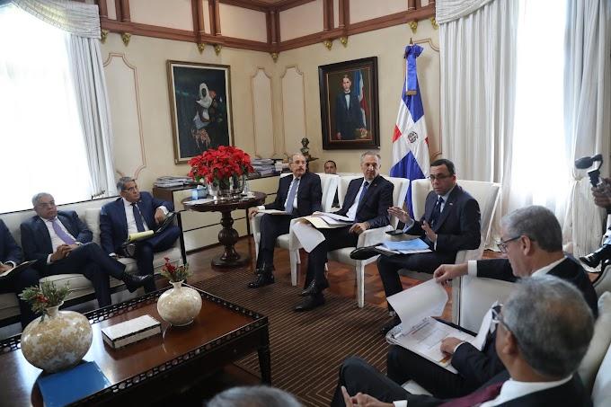 Presidente Danilo Medina da seguimiento a construcción aulas y estancias infantiles