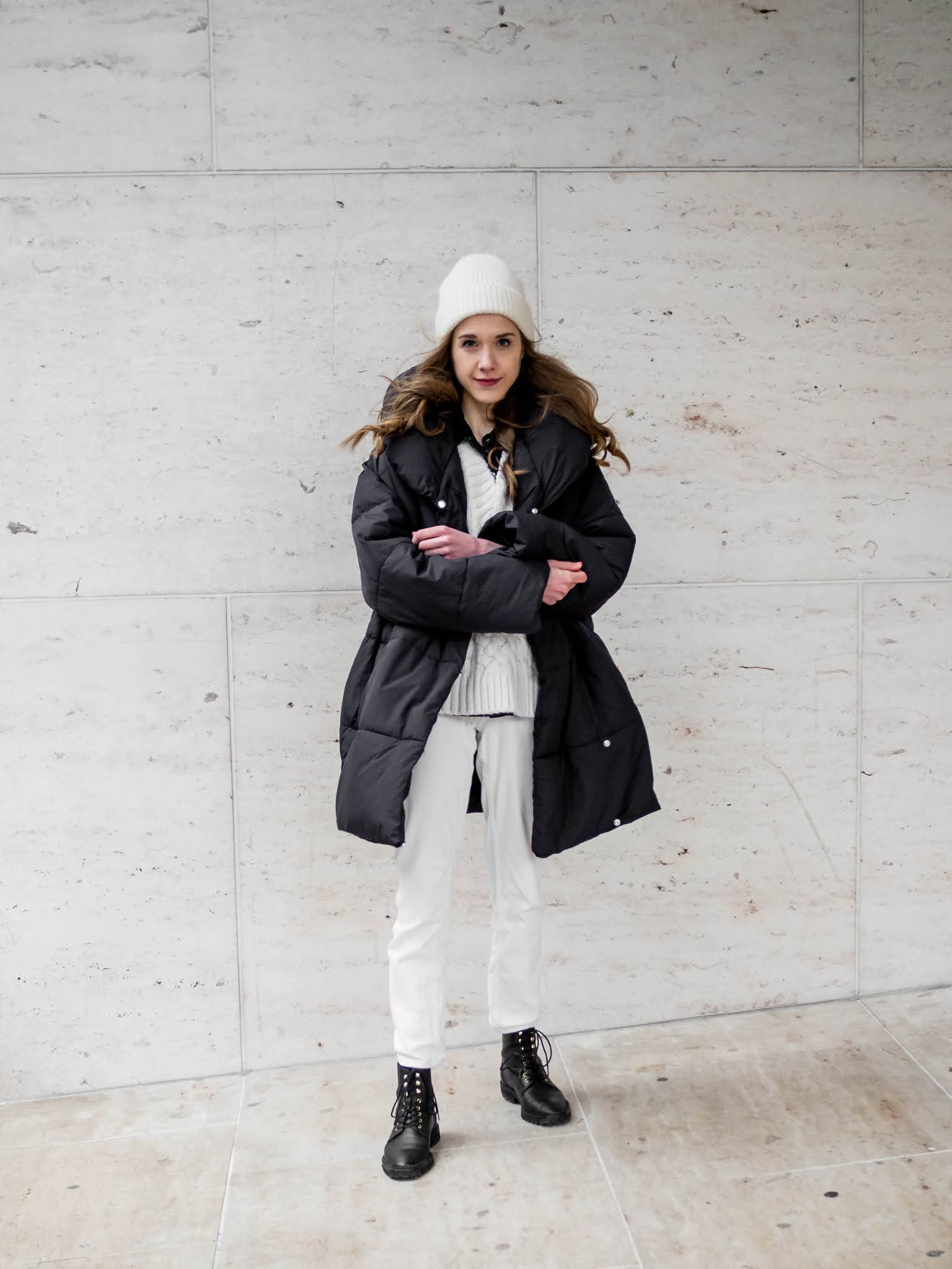 Mustavalkoinen asu talveen // Black and white winter outfit
