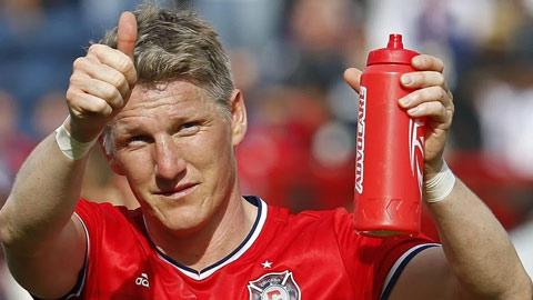 Ngộ nghĩnh thư mời chào Schweinsteiger của đội bóng nghiệp dư