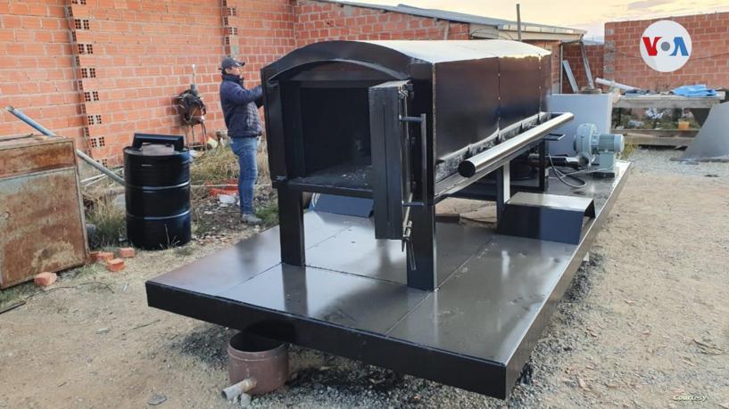 Los diseñadores y fabricantes de estos hornos aseguran que son una alternativa asequible para las personas y autoridades sanitarias / CORTESÍA