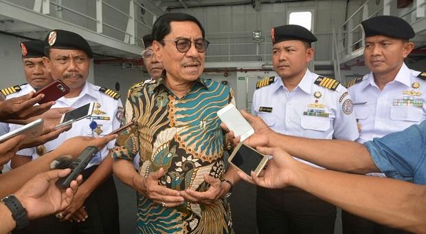 PLT Gubernur Maluku Tinjau Kapal Bantuan Sosial ke Asmat