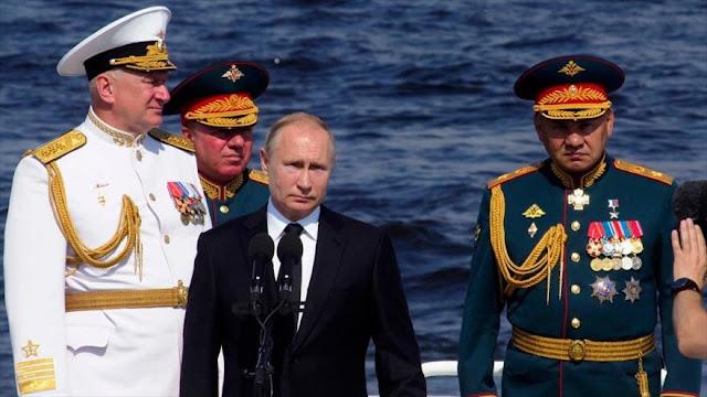 Putin: La Armada rusa está lista para repeler cualquier agresión