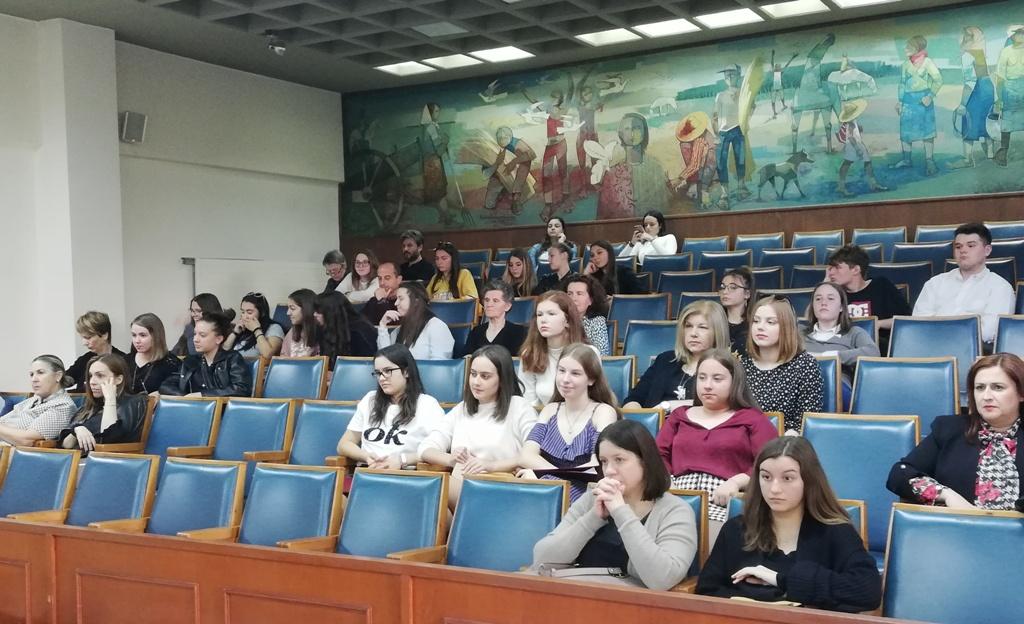 Τρικαλινές μαθήτριες για τα fake news στο Στρασβούργο (ΦΩΤΟ)