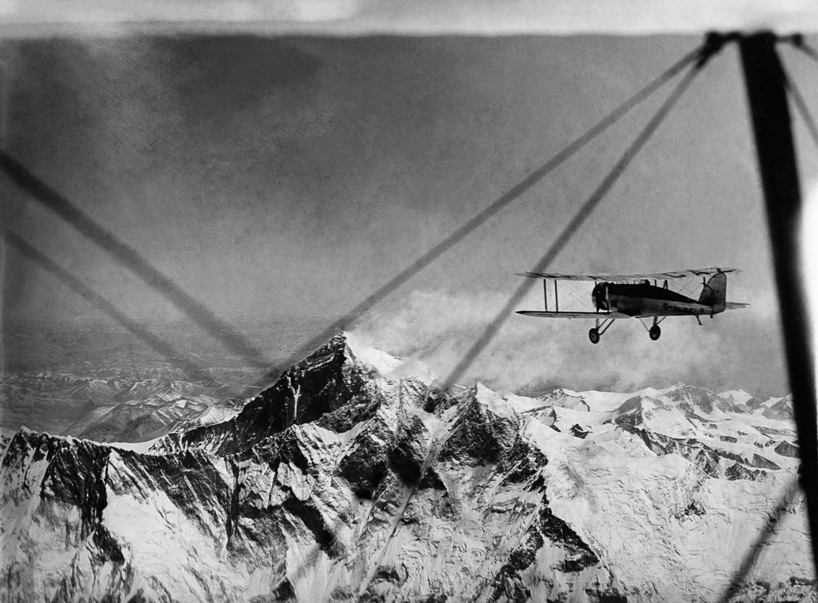The two planes fly towards Lhotse and Everest at 32,000 feet. 1933.