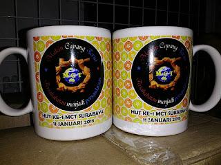 souvenir promosi mug cetak