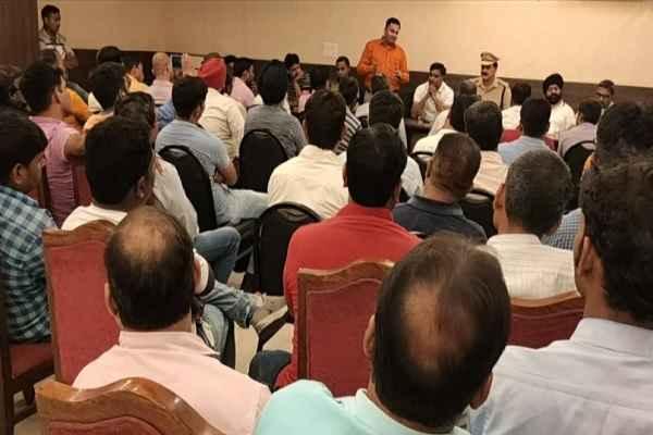 faridabad-vinay-sharma-murder-case-patrakar-demand-police-need-change