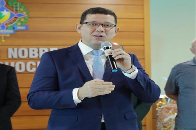Governador anuncia retorno de aulas presenciais para 9 de agosto com opção de ensino remoto