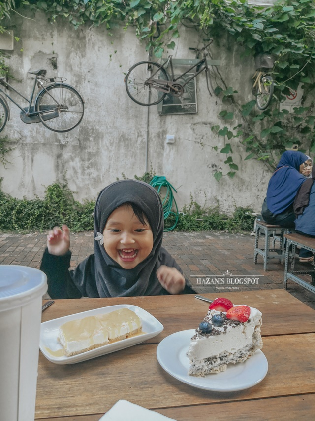 Kula Cakes, Tempat Makan Viral Di Kuantan