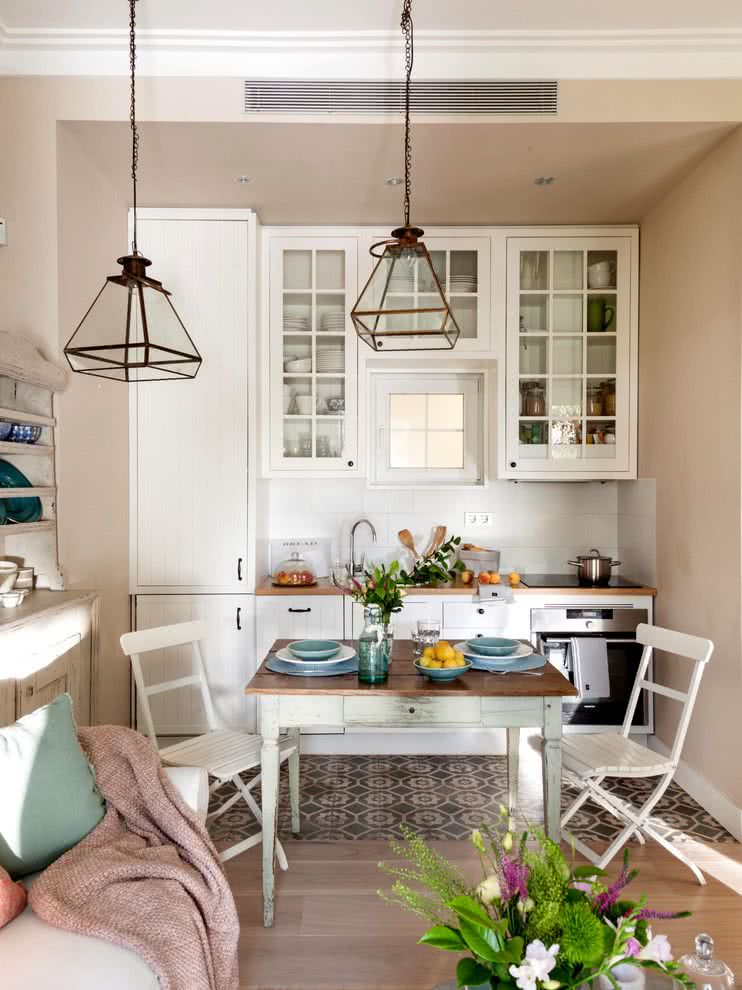 Small kitchen proposal with Shabby Chic style